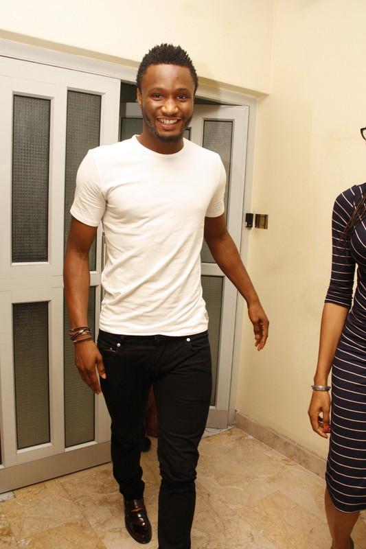 Mikel-Obi-visits-Nigerian-Breweries-31