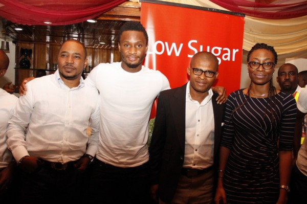 Mikel-Obi-visits-Nigerian-Breweries-4-600x399