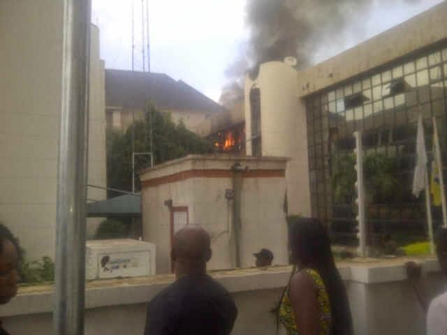 nff-glass-house-on-fire-04