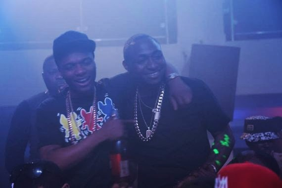 Davido and Wizkid reconcile 01