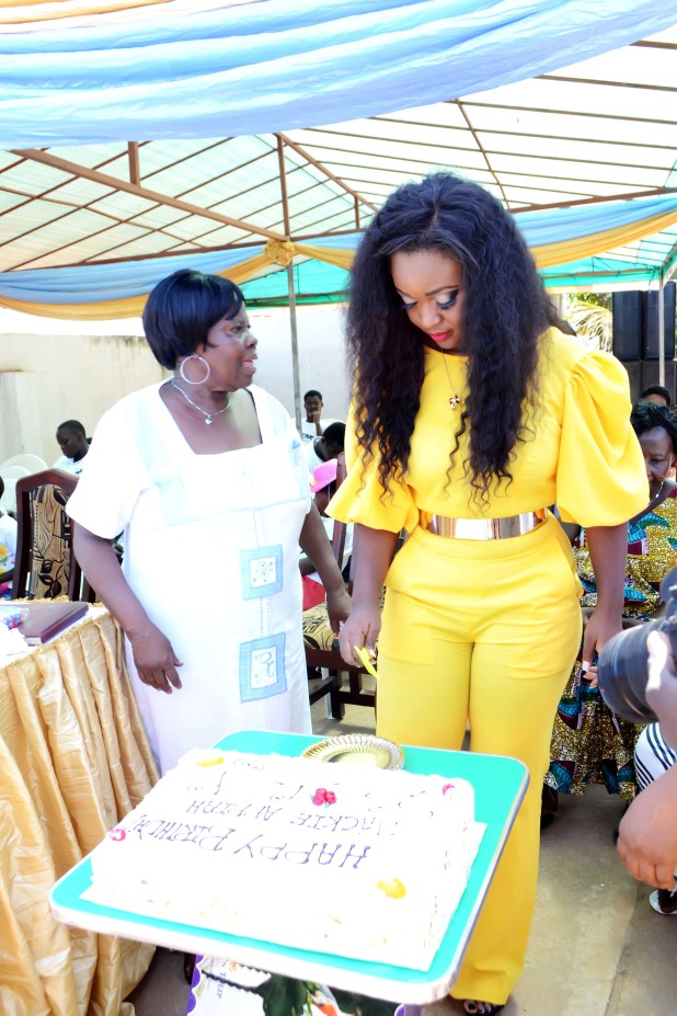 Jackie-Appiah-Celebrates-Birthday-With-Less-Priviledged-YabaLeftOnline-com-012