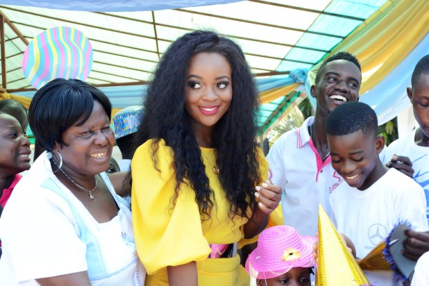 Jackie-Appiah-Celebrates-Birthday-With-Less-Priviledged-YabaLeftOnline-com-014