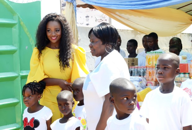 Jackie-Appiah-Celebrates-Birthday-With-Less-Priviledged-YabaLeftOnline-com-05
