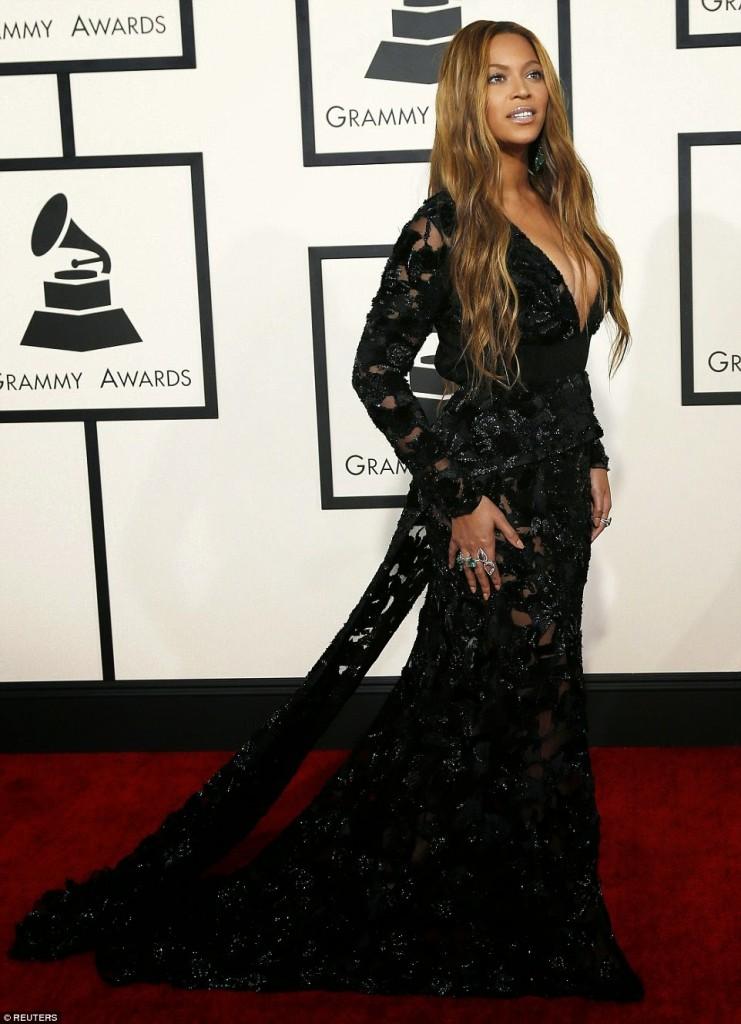 Grammy-Awards-Red-Carpet-019
