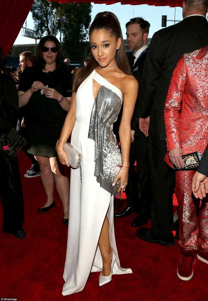 Grammy-Awards-Red-Carpet-021