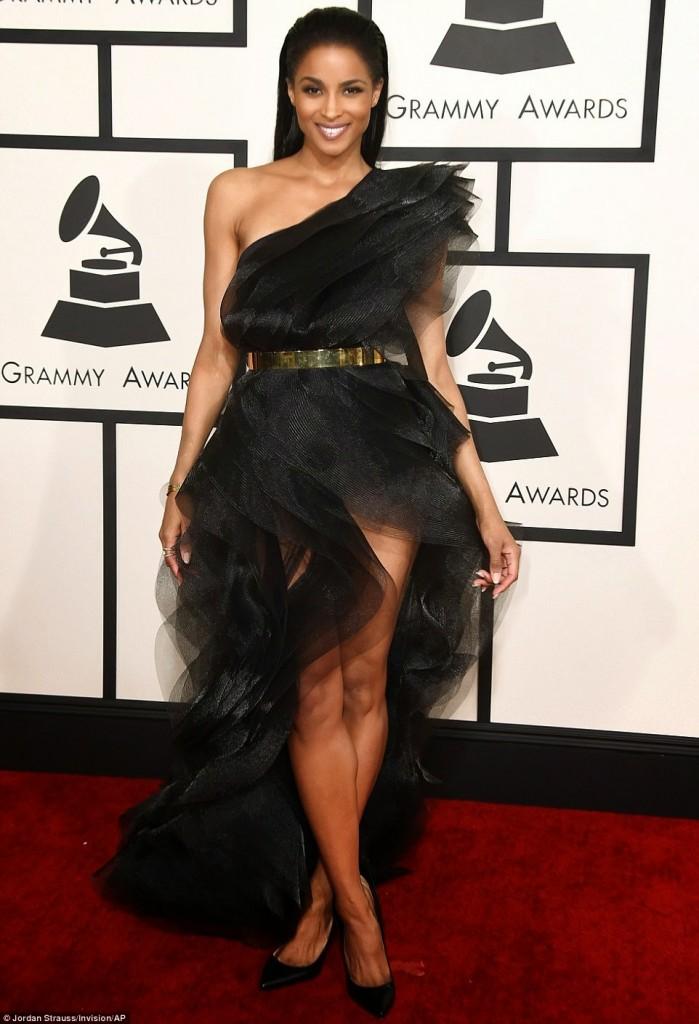 Grammy-Awards-Red-Carpet-024