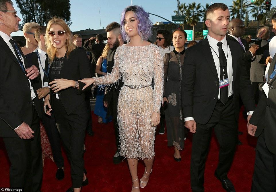 Grammy-Awards-Red-Carpet-025