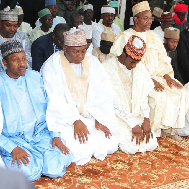Buhari Prays 1