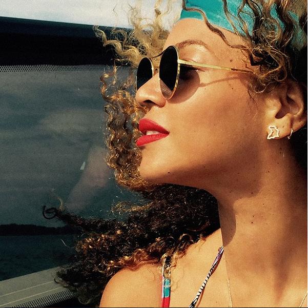 Beyonce Makeup Free3