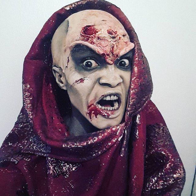 Eva Zombie