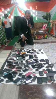 phones-02