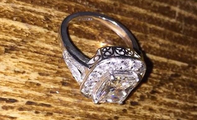 man-ring-01