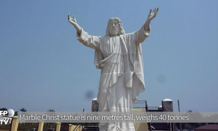 statue-0