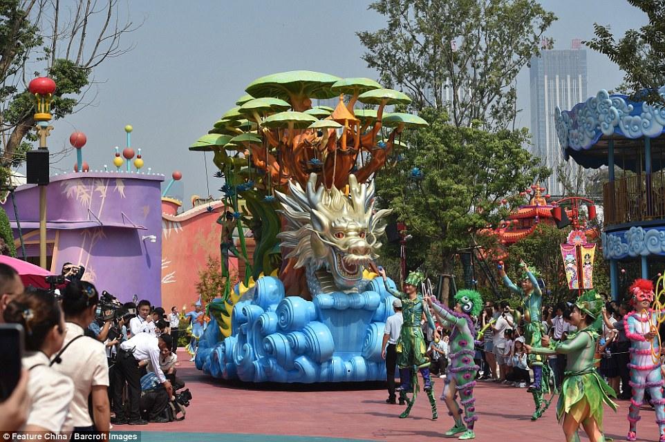wang-jianlin-theme-park
