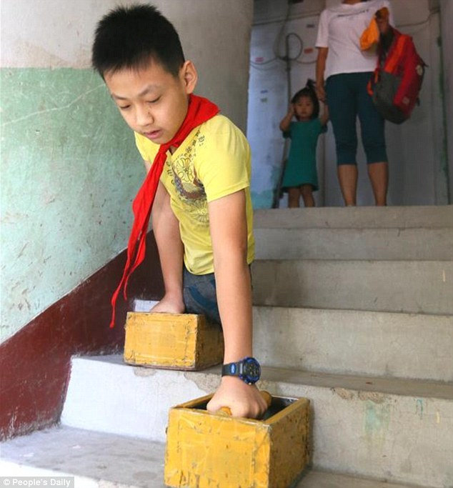 26 Viral News Stories That Would Break The Internet: Read The Heartbreaking Story Of This Chinese Boy Who Has