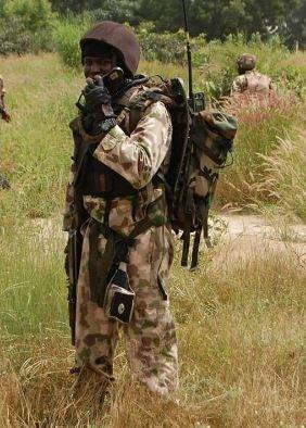 nigerian-army-radioman