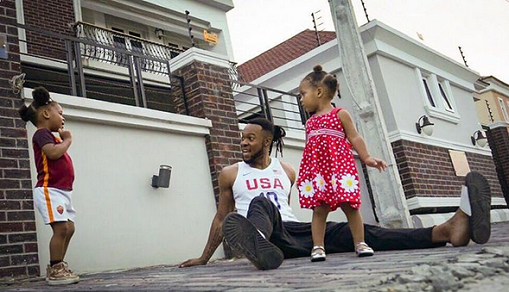 flavour-and-his-daughters-0