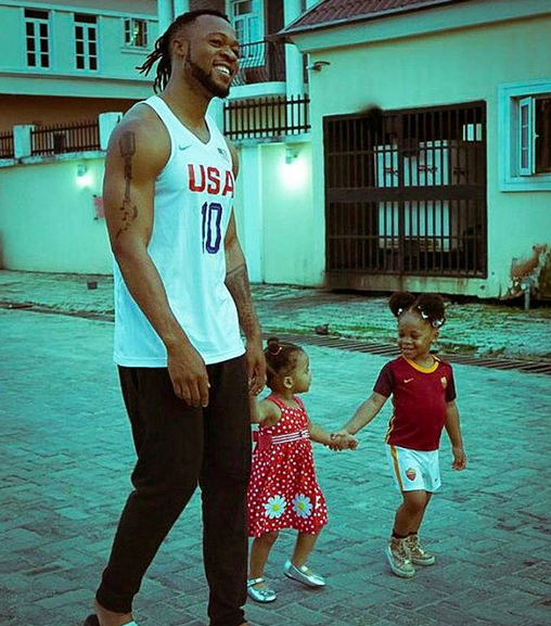 flavour-and-his-daughters-01