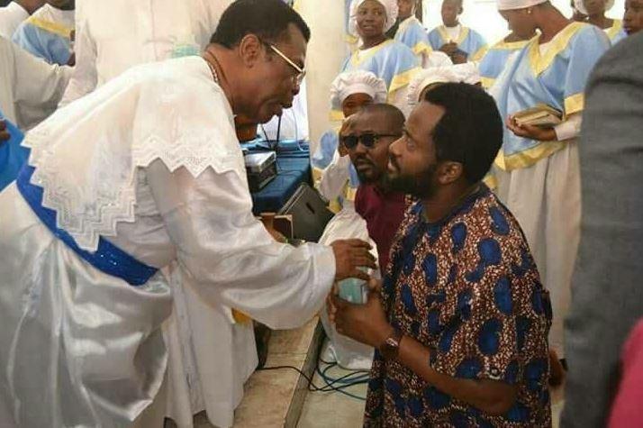 desmond elliot visits prophet
