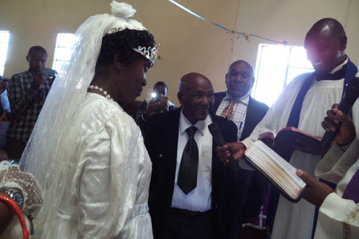 95 year old man finally gives 70 year old wife dream wedding