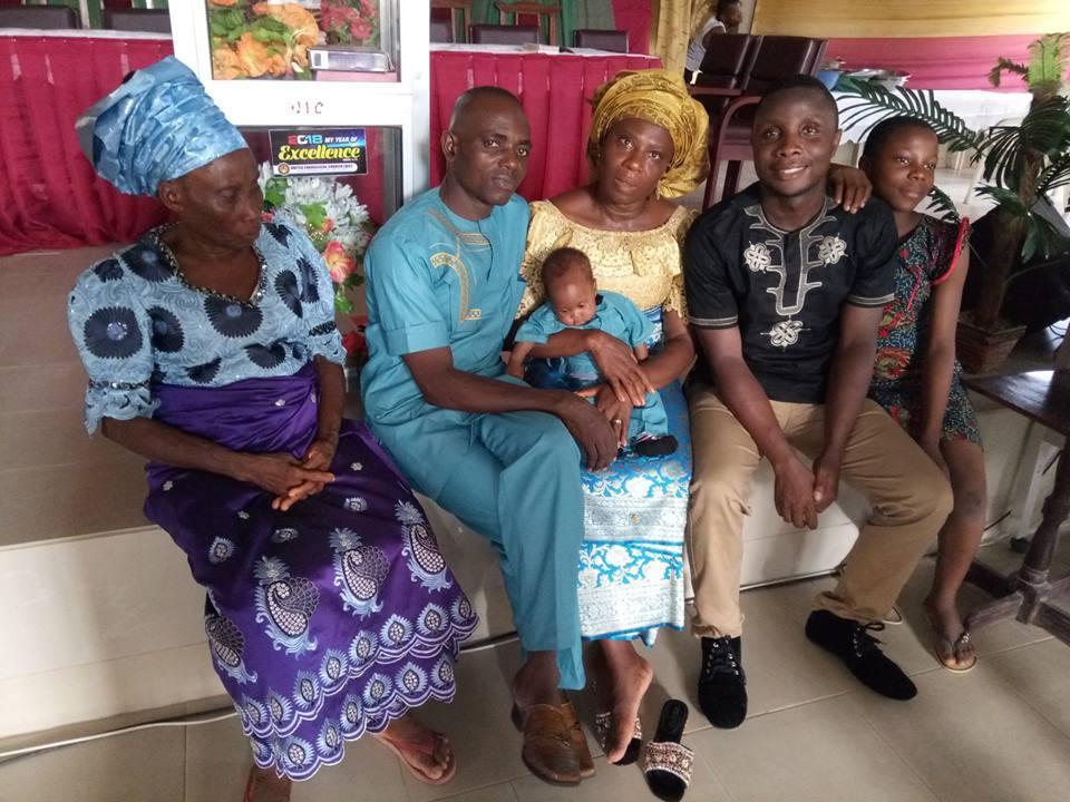 Nigerian woman gives birth