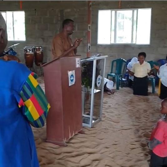 Pastor Adeboye pays surprise visit
