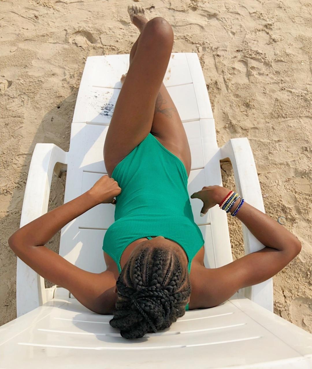 Khloe flaunts bikini body