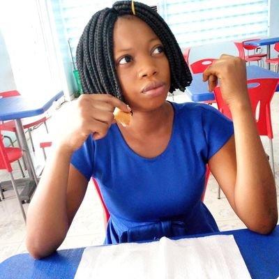 Nigerian lady praises men