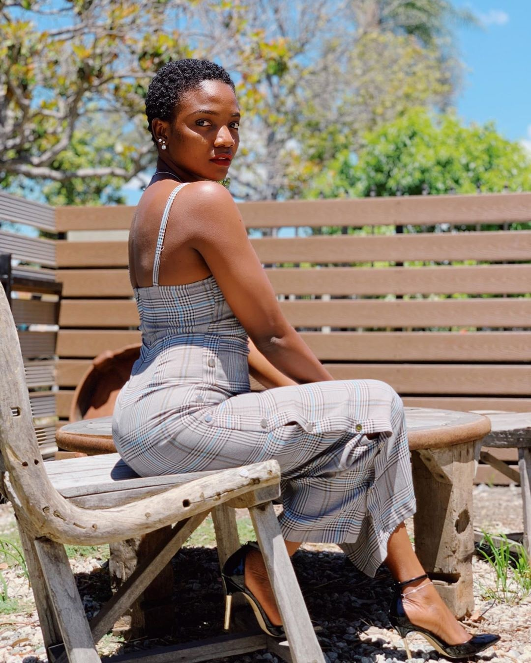 Stunning And Surprising New Looks: Singer, Simi Looks Stunning In New Photos
