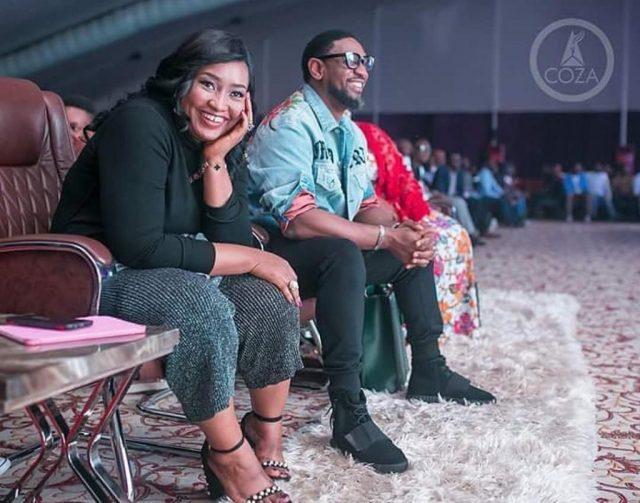 Modele Fatoyinbo throws shades
