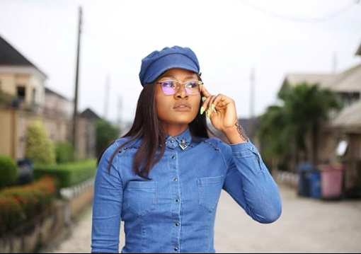 Alex Unusual reveals