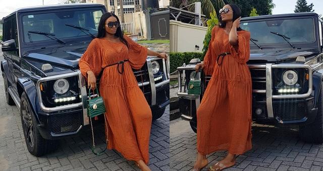Comedian Wofaifada flaunts her new whip, a G-Wagon (Photos) - YabaLeftOnline