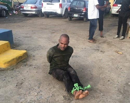 Just in:Police officer shoots at his colleagues at Onikan, Lagos.