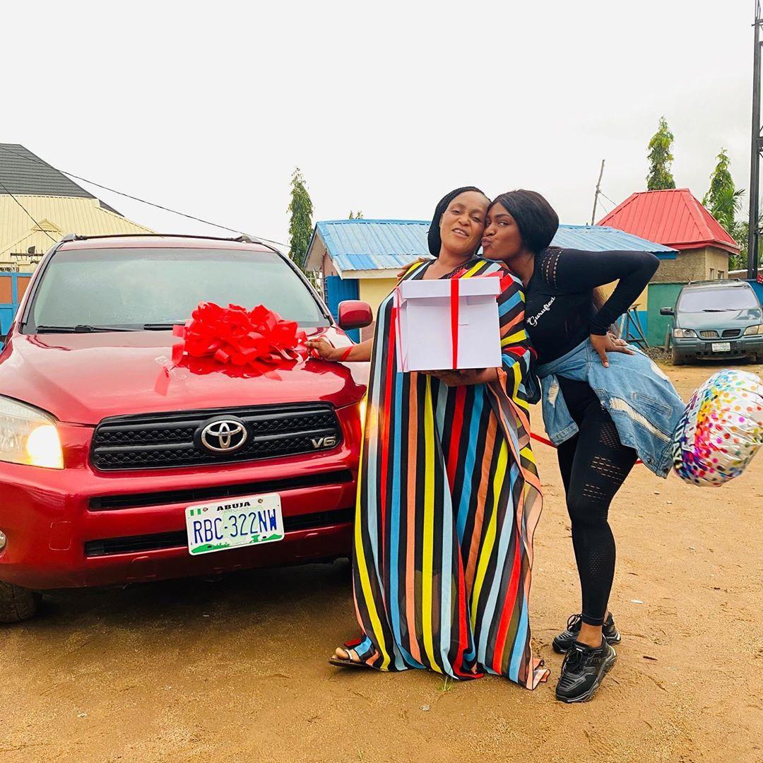 Nigeria Lady Buys