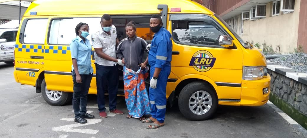 LASEMA help1 LASEMA response team helps homeless woman deliver her baby safely