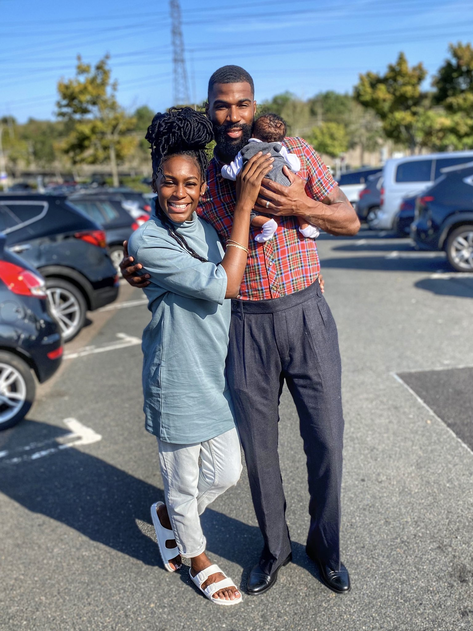 """Mike wfe son1 """"He who is faithful with little will be trusted with much more """" – Mike Edwards appreciates his wife and newborn baby"""