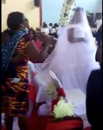 hold on 4 Bride in tears as woman disrupts her wedding with her children, claims the groom is her husband
