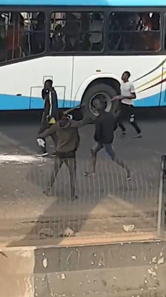 plotest 2 Armed thugs hijack protest in Alausa, Lagos State (VIDEO)