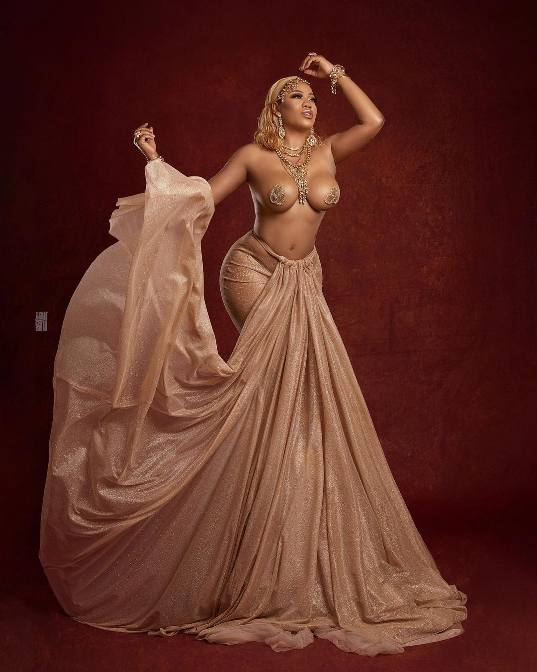 Toyin Lawani goes topless as she celebrates her 39th birthday in a grand style 5