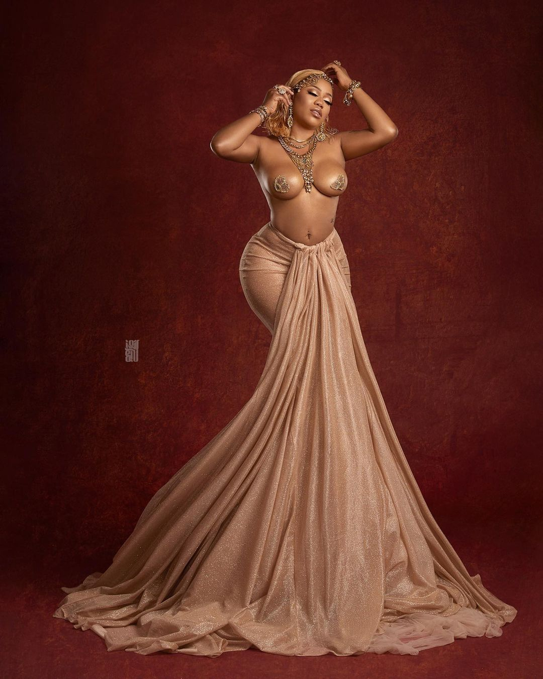 Toyin Lawani goes topless as she celebrates her 39th birthday in a grand style 4