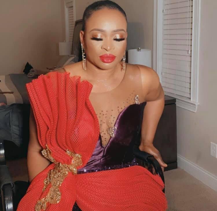 Nigerian lady throws